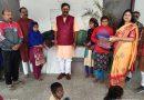 सांसद अजय निषाद ने स्कूली बच्चों के साथ मनाया अपना 33 वां सालगिरह